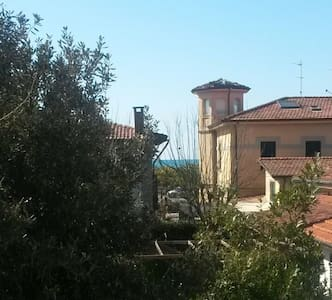 150 mt by the sea, in the heart of Versilia! - Pietrasanta - Dům