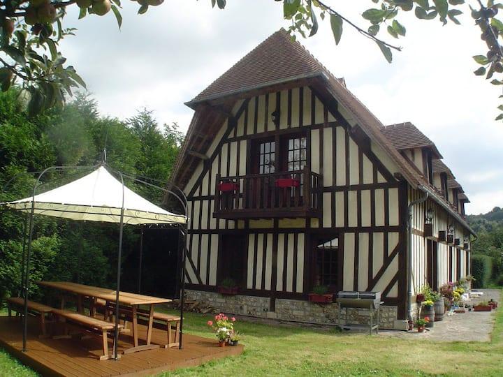 Delightful 5 Bed House/Garden, 15 mins to Honfleur