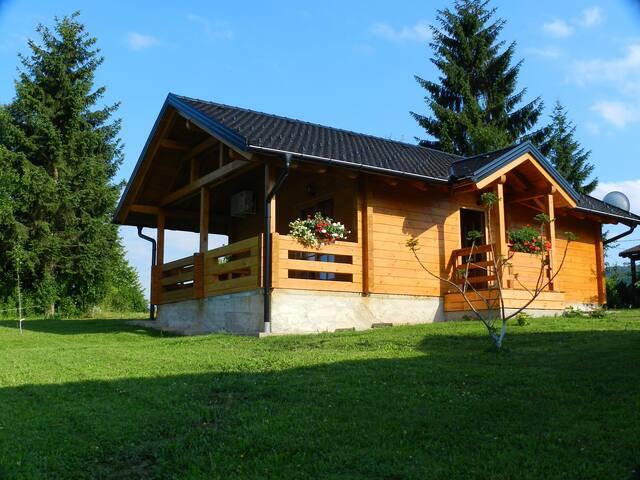 House Jullianne - Smoljanac - บ้าน