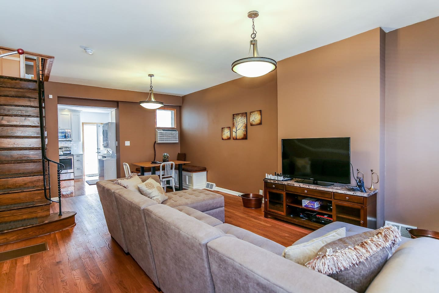 This charming row home was renovated recently and includes beautiful hardwood floors, California closets, premium cable and Wi-Fi, towels and linens, and all the comforts of your own home.