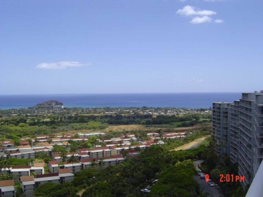 View from the lanai towards the ocean.