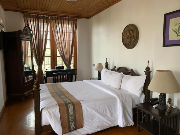Classique Inn (Private Room with Kitchenette)