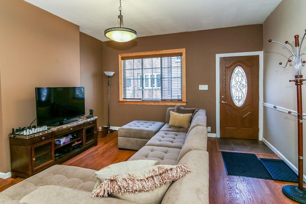 Open floor plan. Comfortable seating. Wooden privacy blinds. Alarm system.