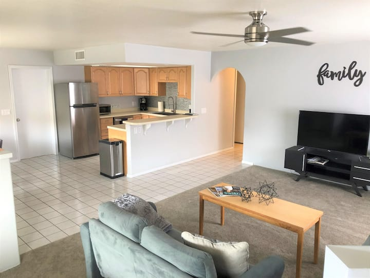 Freshly Updated 2bed/2bath w/Garage & RV Parking