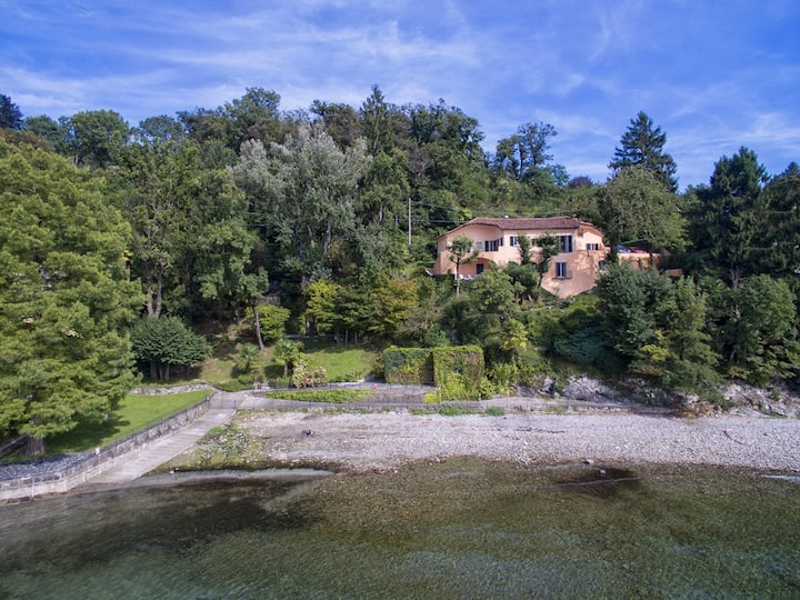 Unique waterfront villa! - Villa Francesca