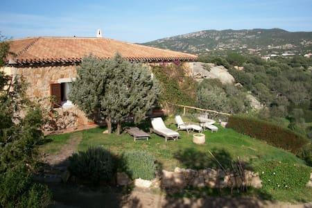 camera doppia privata con bagno int - Baia Sardinia