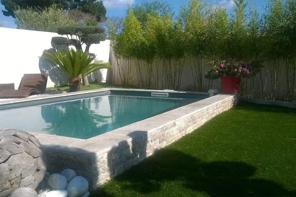 Maison contemporaine avec piscine maisons louer for Maison a louer a marseille avec piscine