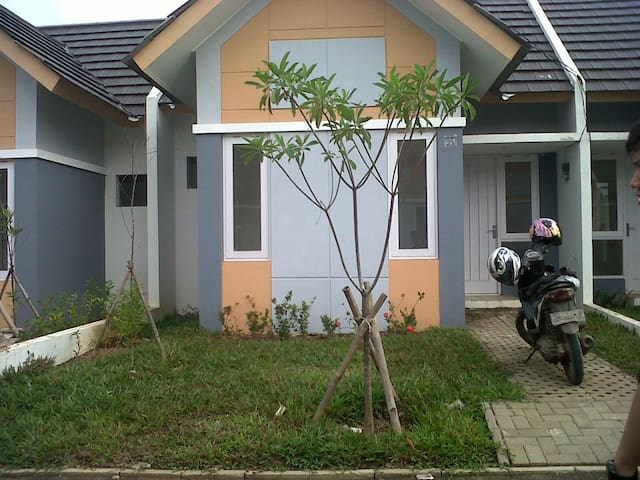 Hoĺiday home stay indonesia - South Tangerang - House
