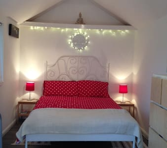 Self contained studio, West London - Northolt