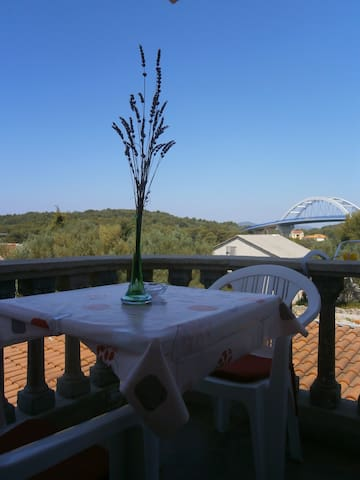 Cosy apartment for 2 - 50m from the beach! - Ždrelac - Apartamento