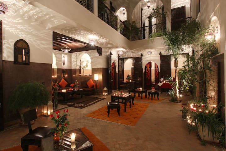 medina guest house with pool on roof terrasse - Marrakech