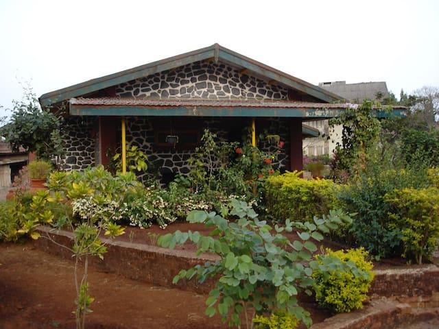 Garden Cabins - Lonavala - บ้าน