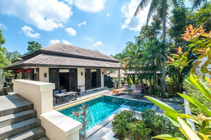 Luxury 3 bed pool villa on 5 star resort in Maenam