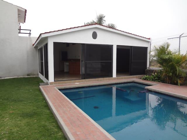 Rento suite ideal para dos personas - Lomas de Cocoyoc Atlatlahucan Morelos - Apartmen