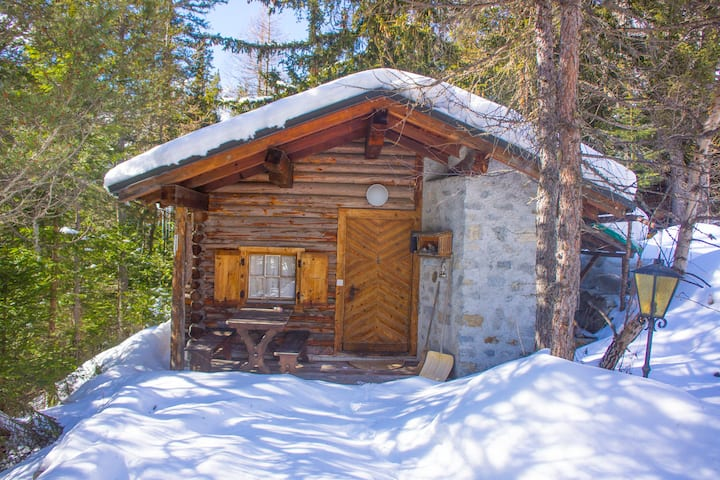 Bündner Berghütte auf 1800müm