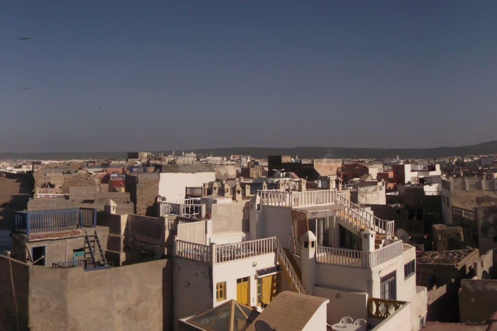 Riad essaouira medina houses for rent in essaouira for Airbnb marrakech