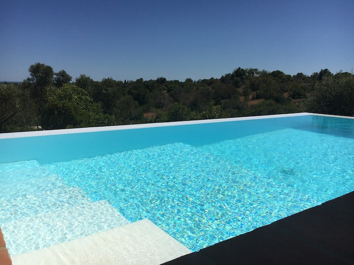 Eco villa, infinity pool, floor cooling & heating