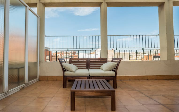 2 Bedroom apartment with terrace in stunning location