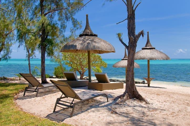 Fabuleuse villa de luxe , Pieds dans l'eau.