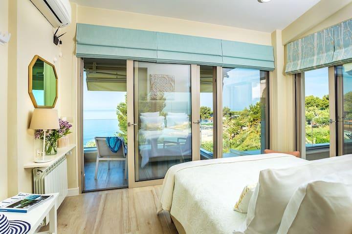 *NEW* Luxury Beach Villa in Halkidiki