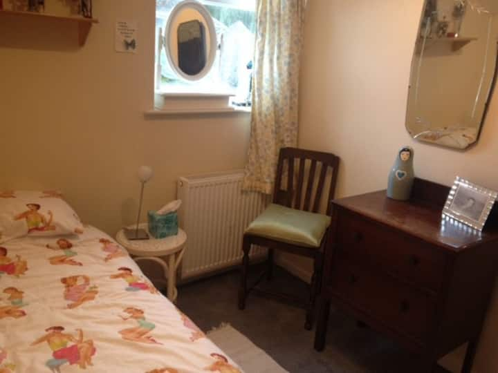 Perfect pied a terre close to beach & town