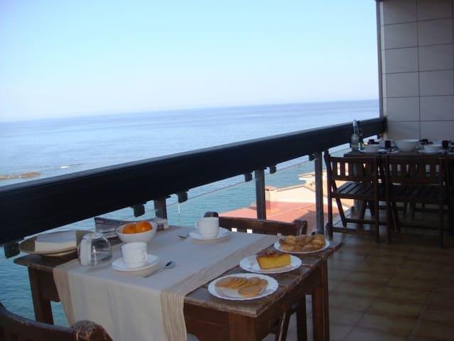 00110 Apartment sea views  near the beach - Llançà - Appartement