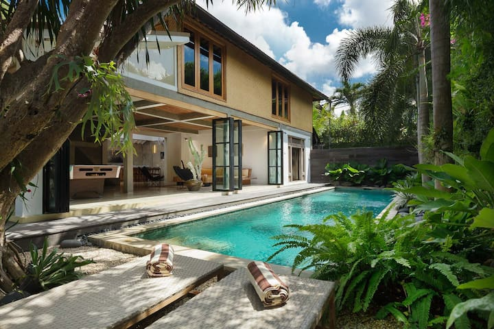 Beachside House (3BR/BEACH/POOL) SEMINYAK