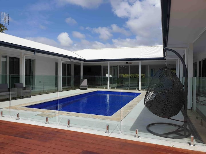 Byron Bay's Blue Fish Room + Private Ensuite