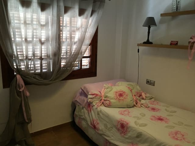 3rd bedroom whit 2  bed. Each bed is provided with sheets, pillows and a duvet cover (included in the price)