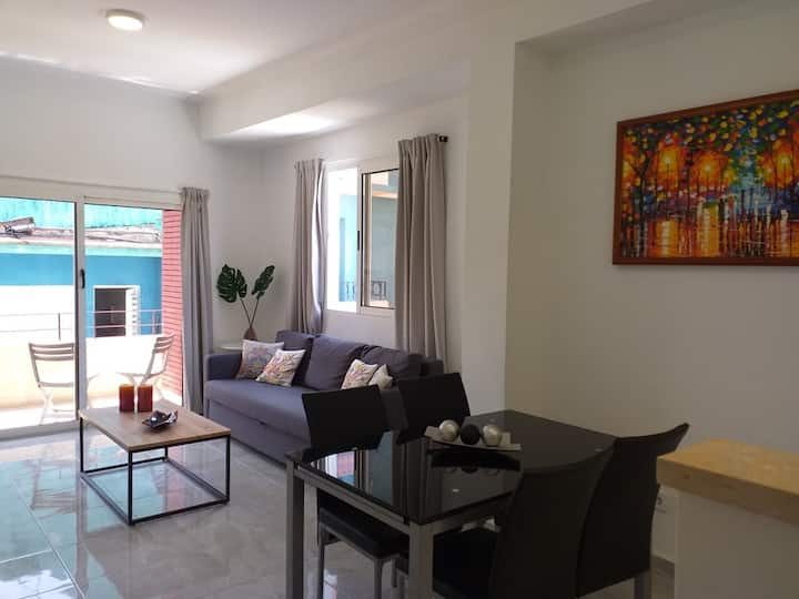 Fully renovated Central Havana apartment