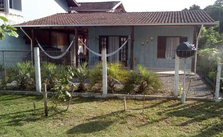 Casa na Vila da Glória, a 100 metros do mar