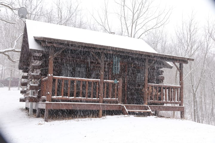 Log Cabin - 100 acres woodland with walking trails