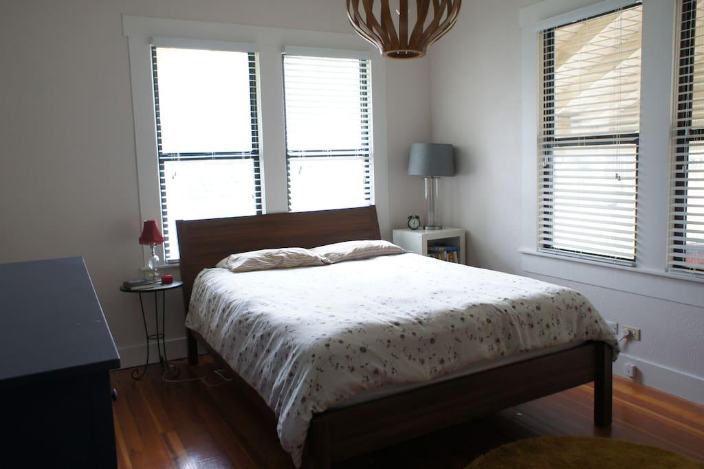 Peaceful, quiet front bedroom