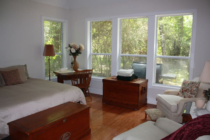 Woodlands Serenity Retreat - The Woodlands - Talo