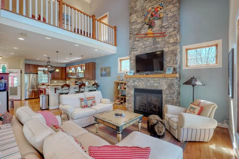Lakefront home w/ firepit, dock & wrap-around porch - close to lake activities!