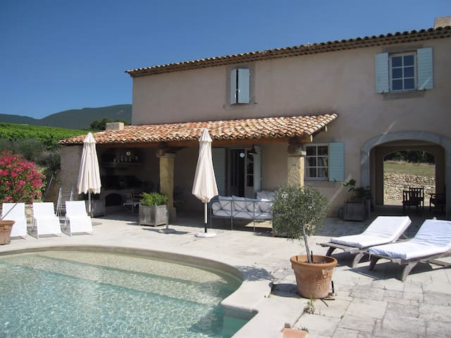 Maison de charme dans le Luberon - Cucuron - House