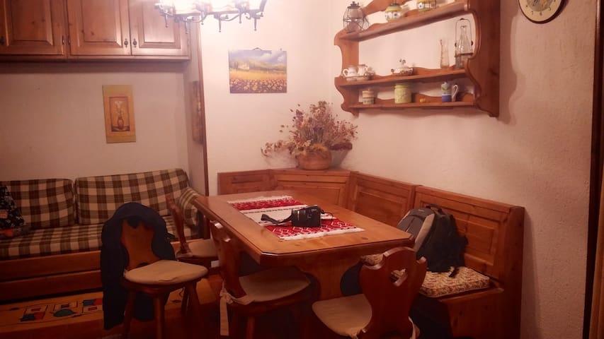 Delizioso appartamento al centro di  Monte Livata - Livata - Wohnung