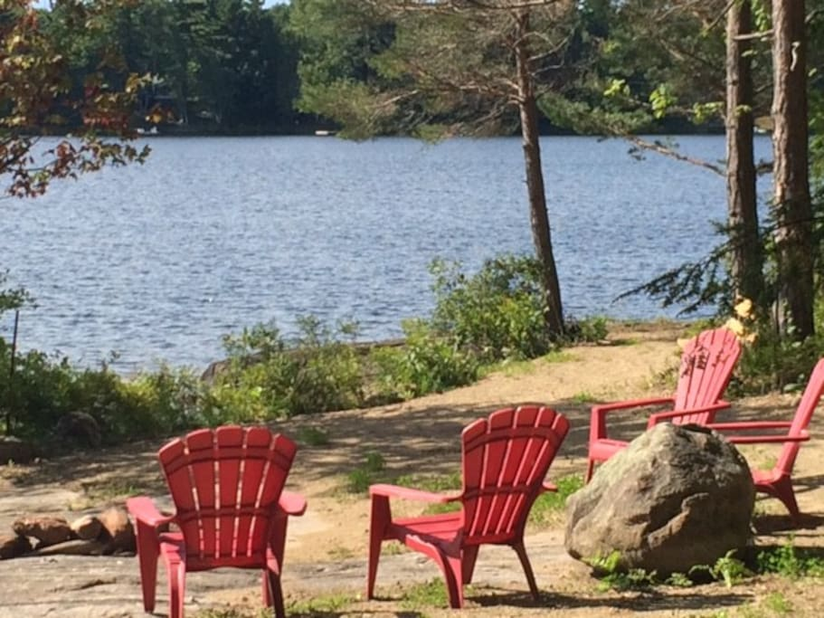 Cute 4 Bedroom Cottage On Moon River In Muskoka Cottages
