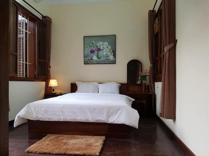 A spacious home at the heart of Ha noi_ room 2