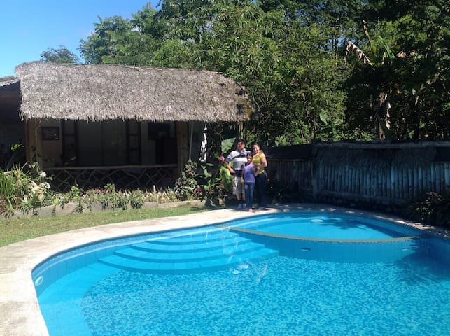 Casa de Campo con Piscina en Mindo - Mindo - Casa
