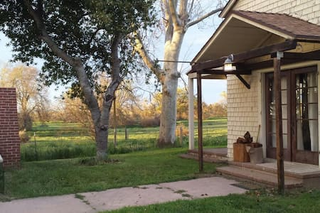Early 1900s Ranch House!