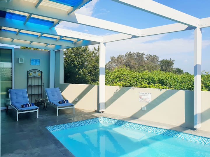 Badhuis- For fabulous living with private pool!