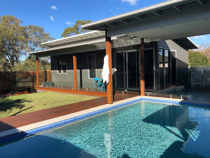 Private Pool House for nightly hire