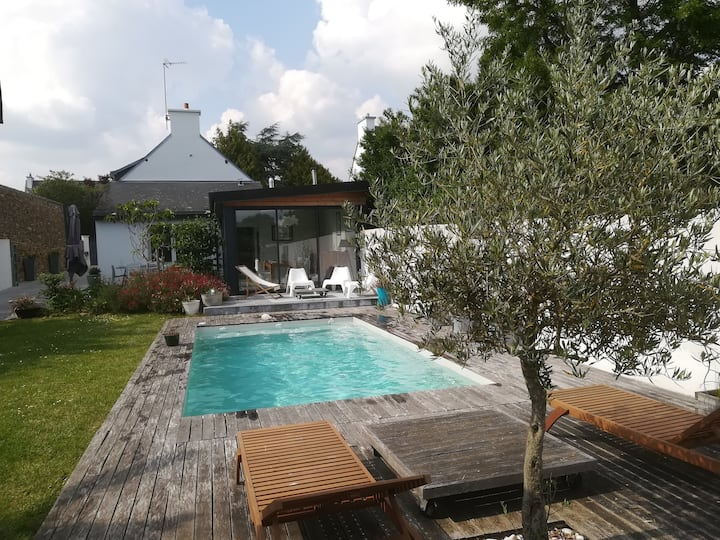 Maison en pierre avec piscine chauffée (mai-sept)