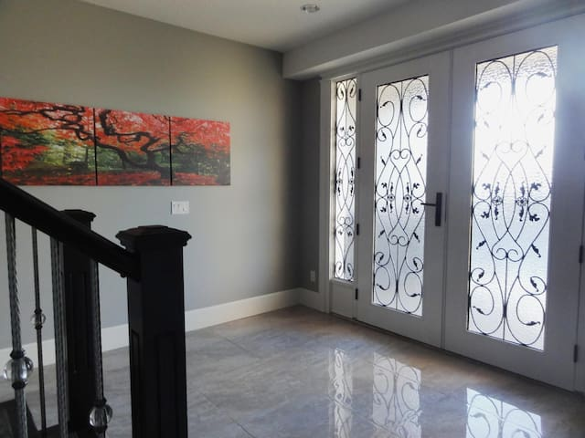 Private suite in beautiful bright, large home
