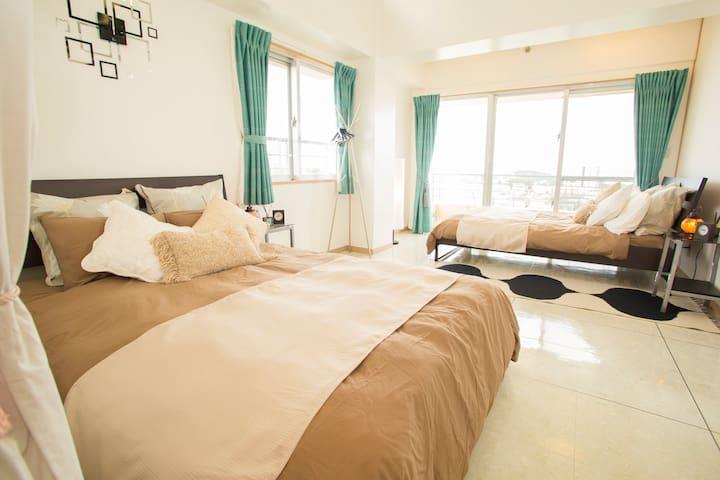 OPEN SALE!302 ☆ 8 min EXPWY ☆清潔感のあるお部屋で沖縄の夜景をどうぞ☆