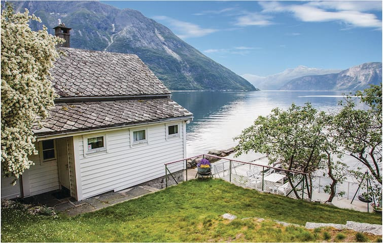 Holiday cottage with 2 bedrooms on 50 m² in Eidfjord