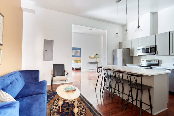 Sonder | 3BR + Balcony | Monthly Discounts