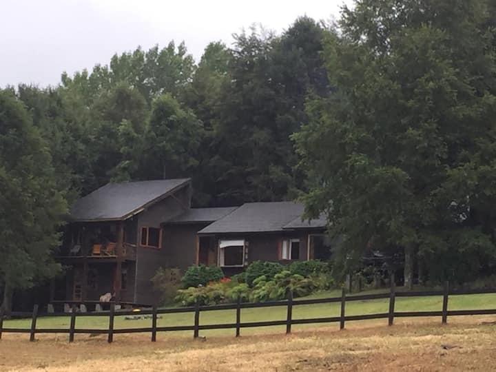 Casa de campo montaña y lago