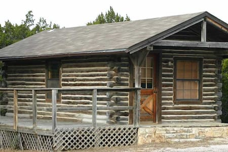 Whitetail Cabin at Flat Creek Crossing Ranch - Johnson City